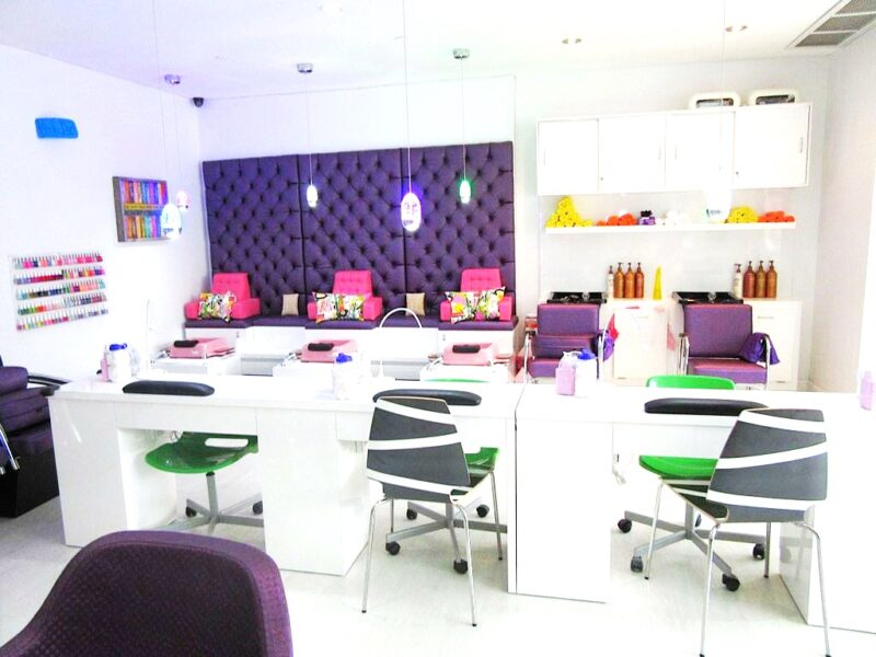 A kid s dream hair salon and spa toddlers tangles for Salon spa